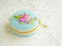 Macaroon Jewelry pouch-silk ribbon embroidery