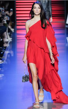 Elie Saab Spring Summer 2016 on Moda Operandi, i so want this!