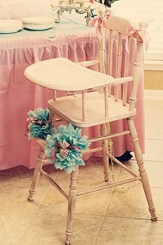 Wooden highchairs! Love 'em! Just gotta figure out how to make a strap to secure the baby in.