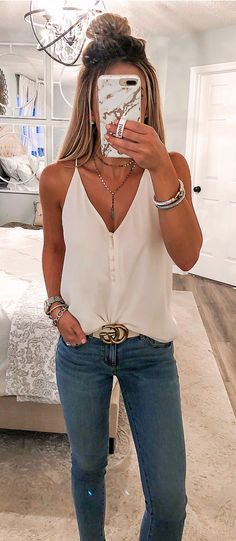 Preppy Outfit Ideas To Beat The Summer Heat – Casual Outfit – Casual Summer Outfits Adrette Outfits, Outfits For Teens, Fashion Outfits, Fashion Trends, Red Fashion, Ladies Fashion, Cute College Outfits, Dungarees Outfits, Graduation Outfits