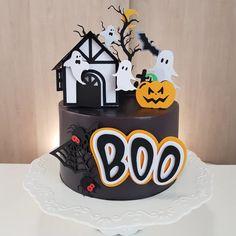 Bolo Halloween, Halloween Sweets, Easy Halloween Decorations, Fete Halloween, Halloween Cupcakes, Halloween Birthday, Halloween 2020, Halloween Kids, Monster Party