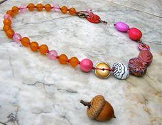 raspberry and tangerine necklace  . . . por marthasrubyacorn