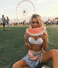 Coachella is here, and that means transitioning into some bohemian chic outfits. Festivals are a great place to show off some skin and have a good time! Check out these 17 incredible outfits perfect for any festival! Festival Looks, Festival Style, Festival Girls, Music Festival Outfits, Festival Fashion, Music Festivals, Festival Clothing, Summer Festival Outfits, Summer Festivals