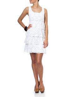 I love this dress. It's simple yet elegant!