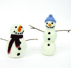 Snowmen Needle Felting Craft Kit by Hawthorn Handmade, the perfect gift for Explore more unique gifts in our curated marketplace. Craft Kits, Craft Projects, Fuzzy Felt, Needle Felting Kits, Beautiful Gift Boxes, Snowmen, Unique Gifts, Shapes, Make It Yourself