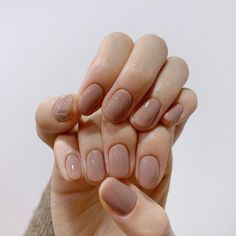Nude Nails, Nail Manicure, Gel Nails, Nail Polish, White Manicure, Pink Nails, Minimalist Nails, Basic Nails, Simple Nails