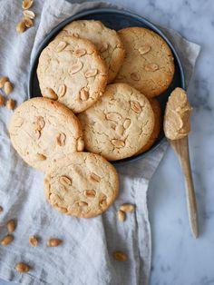 Glutenfria jordnötskakor | Brinken bakar Cookie Desserts, Dessert Recipes, Foods With Gluten, Gluten Free Cookies, Sin Gluten, Cake Cookies, Diet Recipes, Recipies, Yummy Treats