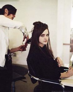 """Emma Watson behind the scenes of The Bling Ring.what a look she is giving the """"viewer"""" Emma Watson Hot, Emma Watson Beautiful, Hermione Granger, The Bling Ring, Harry Potter Actors, British Actresses, Hollywood Celebrities, Role Models, Hairdresser"""