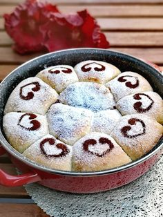 Buchty ako od Babičky | Recepty - Mykitchendiary.sk Pudding, Desserts, Food, Basket, Tailgate Desserts, Deserts, Puddings, Meals, Dessert