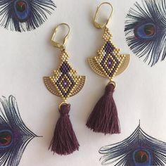 Boucles d'oreilles Romy violettes pompons : Boucles d'oreille par manuelj