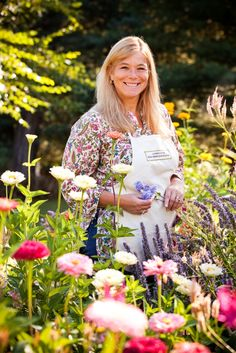 SLOW FLOWERS Podcast: Meet Holly Heider Chapple, a floral designer with deep roots in the garden and more! (Episode 123)