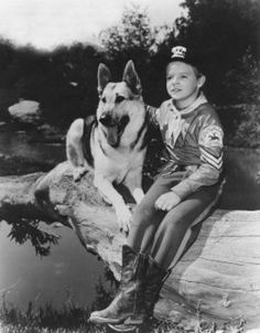 The Adventures of Rin-Tin-Tin.Rusty and Rin-Tin-Tin. Photo Vintage, Vintage Tv, Nostalgia, Forte Apache, Mejores Series Tv, Famous Dogs, Famous People, Tv Westerns, Old Shows