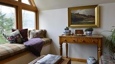 4 Star GOLD B&B in Aberfeldy near Pitlochry in Perthshire. Panoramic views over the River Tay and the mountains. Best B, Free Wifi, Bed And Breakfast, Entryway Bench, Bedroom, Reading, House, Furniture, Home Decor