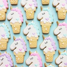 Cookies by Vickie Liu. Jen Yates on You know that thing where someone takes one awesome thing and mashes it together with another awesome thing? Well, I give you Unicorn Ice Cream Cone Cookies. Cute Cookies, Sugar Cookies, Cream Cookies, Keks Dessert, Unicorn Ice Cream, Unicorn Cookies, Unicorn Macarons, Unicorn Foods, Pastel Cupcakes