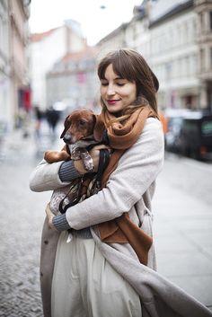 stylish lady and dachshund Dachshund Funny, Dachshund Love, Daschund, Dog Love, Puppy Love, Weenie Dogs, Doggies, Winter Looks, Mode Style