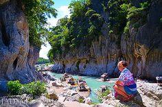 Minalungao National Park Penaranda River with Bamboo Rafts Limestone Wall, Rafting, Bamboo, National Parks, Environment, Marvel, River, Nature, Naturaleza