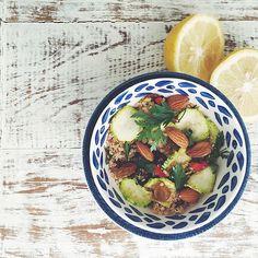 salada de quinoa amêndoas e hortelã