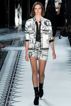 Versus Versace Spring 2015 Ready-to-Wear - Collection - Gallery - Look - Style.com