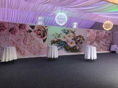 Das Wunderbare an Hochzeitsgangläufern ist, dass sie zwei Zwecken dienen: der Akzentuierung einer schönen Hochzeit und der Schaffung einer Oberflächenbedeckung, die zum Schutz von Dingen wie Schuhen oder einer Kleiderbahn beitragen kann. Und natürlich wird es Ihr allererster Eindruck sein, wo Sie Ihre Freunde und Familie in Flasch City begrüßen werden. . . . #hochzeitsideen #dekorationinspiration #schmuckblogger #partydecoration #brautsträuße #schmuckderglücklichmacht #hochzeitsgeschenk