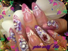 Flowers Nails :) - http://nailart-gallery.com/2013/11/flowers-nails-3/