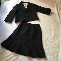 """👻SALE! KAY UNGER dressy suit, size 6 Beautiful Kay Unger suit. 80%wool, 20% silk. Jacket is double breasted with two sets of pretty buttons and faux pockets. Boxy fit. Collar to hem 21 1/2"""". Twirl skirt has ribbon like waist. Back zipper. Measures 22 1/2"""". Great condition. Worn once or twice. Kay Unger Skirts Skirt Sets"""