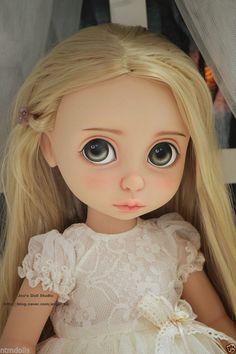 Dressed-OOAK Disney Animator Collection Rapunzel Repaint by Joo-Tonner-Ellowyne Ooak Dolls, Blythe Dolls, Art Dolls, Disney Animator Doll, Disney Dolls, Bjd, Disney Animators Collection Dolls, Marionette, Barbie