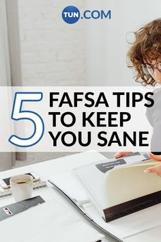 Here are 5 tips which will help make filling out the FAFSA much easier. Dorm Hacks, College Hacks, Student Stress, College Packing, My Prince Charming, Study Tips, College Students, University, Learning