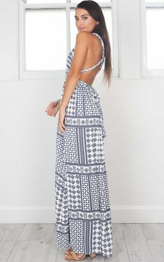 Lost In The Wind maxi dress in navy print Latest Fashion For Women, Womens Fashion, Outfit Goals, Stylish Outfits, Formal Dresses, Lost, Model, Navy, How To Wear