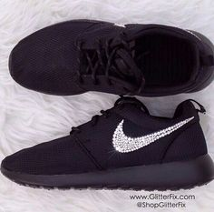 2015 cheap nike shoes for sale info collection off big discount.New nike roshe run,lebron james shoes,jordans and nike foamposites 2014 online. Nike Shoes Cheap, Nike Free Shoes, Nike Shoes Outlet, Running Shoes Nike, Cheap Nike, Bling Nike Shoes, Gold Shoes, Buy Cheap, Adidas Cap