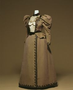Day Dressc. 1895  Designer:   Charles-Frederick Worth: Day Dress, 1895, Paris. Similar to dresses worn to the parks, during the time of of older Gilberte. (http://www.kci.or.jp/archives/digital_archives/detail_97_e.html)