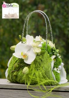 A stylish and refreshing alternative to the original bridal bouquet Created with Bolsa Flora I www.bolsaflora.com Clothing, Shoes & Jewelry - Women - handmade handbags & accessories - http://amzn.to/2kdX3h7