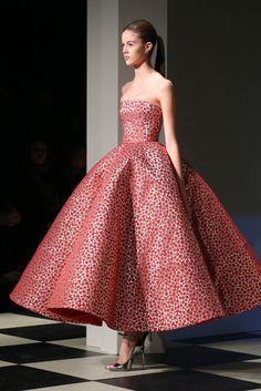 Red Carpet Dresses at New York Fashion Week Fall 2017 | POPSUGAR Fashion...Oscar De La Renta Fall 2017