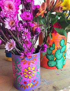 Painted Tin Cans - The Crafty Chica Welcome to your newest crafty obsession - painted tin cans! You can also cover them with fabric! I also have a recipe for Almond Spice Creamer - so you can drink yummy coffee while you craft! Coffee Can Crafts, Tin Can Crafts, Crafts To Make, Diy Crafts, Crafts With Tin Cans, Recycled Tin Cans, Recycled Crafts, Recycled Clothing, Recycled Fashion