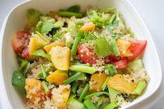 Hämmentäjä: Aprikoosi-kvinoasalaatti. Abricot and quinoa salad.