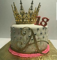 Birthday Cake Crown, Queens Birthday Cake, 19th Birthday Cakes, Sweet 16 Birthday Cake, Elegant Birthday Cakes, Custom Birthday Cakes, Birthday Cakes For Teens, Beautiful Birthday Cakes, 18th Birthday Party