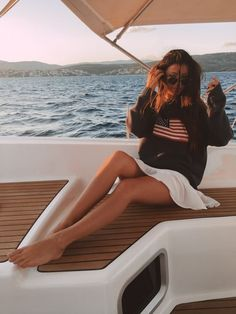 Bethany Moore, Boat Pics, Yacht Week, Beach Poses, Story Instagram, Summer Pictures, Boating Pictures, Foto Pose, Nautical Fashion