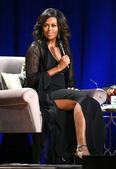 Michelle Obama se aleja del estilo de las primeras damas con corsé brillante y una capa de encaje Tamar Braxton, Sexy Women, Classy Women, Sanaa Lathan, Alyson Hannigan, Amy Winehouse, Black Celebrities, Celebs, Barak And Michelle Obama
