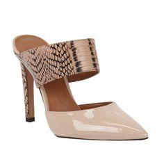 Para entrar com tudo nas tendência do Verão 2015, aposte no Mule Pele/Rosé de Verniz e Couro com Estampa de Cobra da nova coleção da Shoestock!