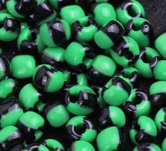 Green Black Opaque Glass Tube Lamp Work Loose Seed Beads Fit Making Jewelry http://www.eozy.com/green-black-opaque-glass-tube-lamp-work-loose-seed-beads-fit-making-jewelry.html