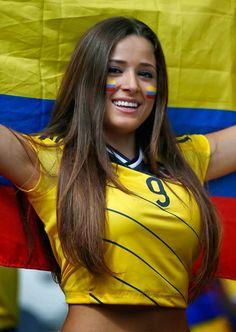 100 fotos de fãs femininas gostosas na Copa do Mundo FIFA 2018 Hot Football Fans, Football Girls, Soccer Fans, Soccer Girls, Fans Sports, Colombian Girls, Hot Fan, Soccer Match, Hot Cheerleaders