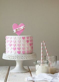 DIY Ombre Heart Cake - 14 Valentine's Day Treats to Make for Your Loved Ones Pretty Cakes, Cute Cakes, Beautiful Cakes, Amazing Cakes, Fondant Cakes, Cupcake Cakes, Cake Cookies, Decors Pate A Sucre, Valentines Day Cakes