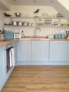 Kitchen A room with a view diss, Hollyhock Cottage, Norfolk - cottage kitchens Home Decor Kitchen, Rustic Kitchen, Kitchen Interior, New Kitchen, Blue Kitchen Ideas, Blue Green Kitchen, Kitchen Grey, Blue Kitchen Cabinets, Shaker Kitchen