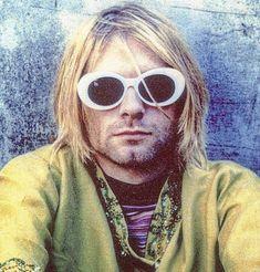 Kurt Cobain ~ Nirvana Kurt And Courtney, Donald Cobain, Youth Subcultures, Nirvana Kurt Cobain, Estilo Grunge, Smells Like Teen Spirit, Music Mix, Grunge Fashion, Rock Music