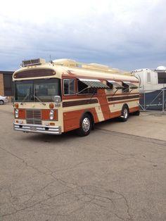 Bluebird Buses, Cool Rvs, Converted Bus, Bus Camper, Bluebirds, Travel Trailers, Caravans, Vroom Vroom, Campervan
