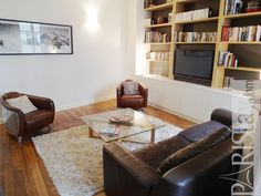 Perfect Paris 2 Bedroom Apartment rental ideally located near le Louvre in the elegant 1st arrondissement.