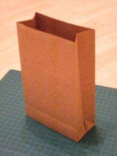 Emmelinesplace: Paper bag tutorial