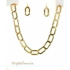 Set de collar y aretes en tono  dorado en  forma de cadena estilo C3033