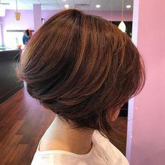 Bob Haircut For Fine Hair, Line Bob Haircut, Bob Hairstyles For Fine Hair, Lob Hairstyle, Layered Hairstyles, Braided Hairstyles, Wedding Hairstyles, Medium Short Hair, Short Hair Cuts