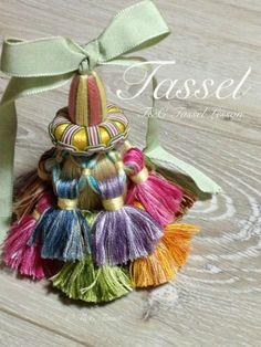 A tassel of tassels! so meta! Passementerie, Colour Schemes, Rosettes, Boho Decor, Needlework, Embellishments, Tassels, Textiles, Diy Crafts