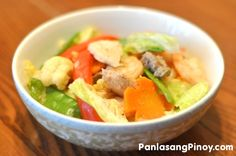 Chopsuey or Chop Suey is a dish made-up of meat (chicken or pork) and seafood (shrimp or fish) cooked with different kinds of vegetables, such as cabbage, bell peppers, cauliflower, snow peas and carrots. Filipino Recipes, Asian Recipes, Healthy Recipes, Ethnic Recipes, Filipino Dishes, Filipino Food, Healthy Foods, Easy Recipes, Vegetable Dishes